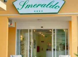 Residence Suite Smeraldo, ริคชิโอเน