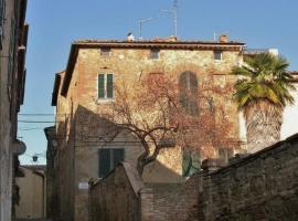 Casa Di Castello, Castelmuzio
