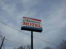 Americana Motel, アヴェネル