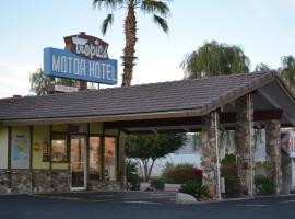 Tropics Motor Hotel, Indio