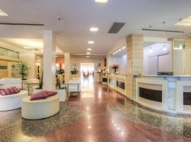Hotel Boemia, ริคชิโอเน