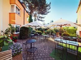 Hotel Tulipan Pruhonice, ปรูโฮนิสเซอ