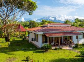 Tres Amigos Island Villas, Pocares