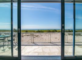 Breathtaking 2 Bedroom Westhampton Beach House with amazing views