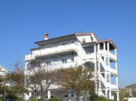 Three-Bedroom Apartment Lopar near Sea, Lopar