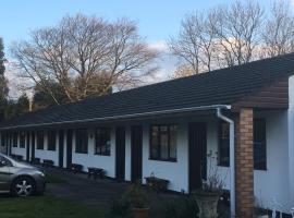 Pinewood Lodge, Ibstock