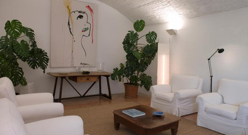 boutique hotels in campos  8