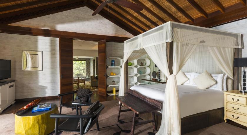 интерьер виллы Four Seasons Resort Seychelles