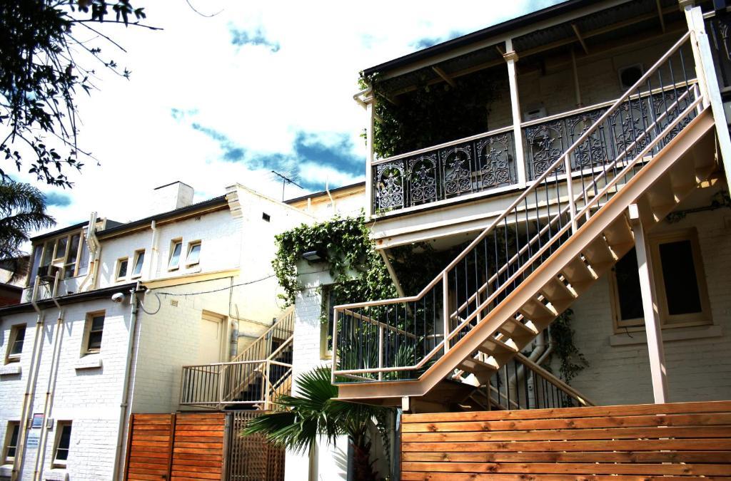 Glenelg Beach Hostel