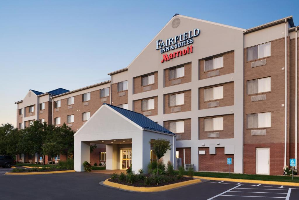Fairfield Inn & Suites Minneapolis Bloomington Mall of America.