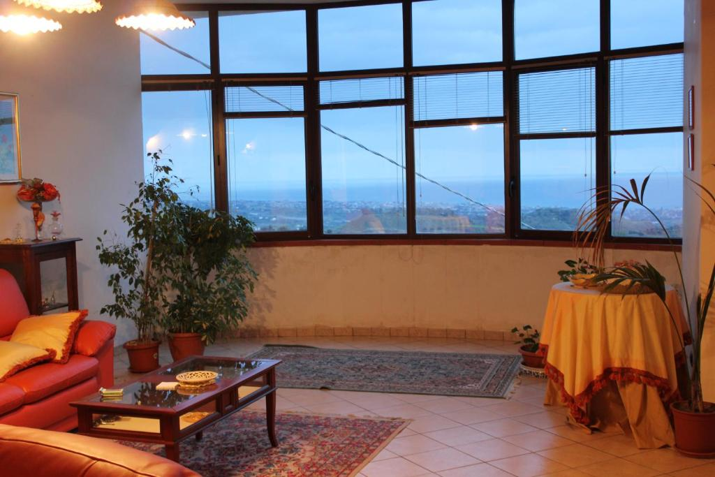 Home in Gerace buy cheap