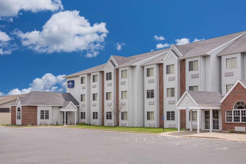 Microtel Inn & Suites by Wyndham Appleton.