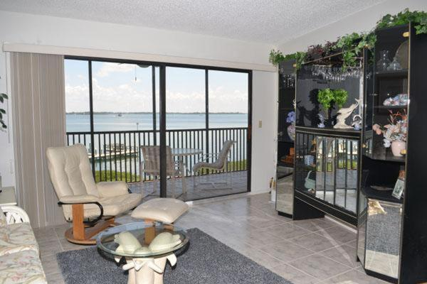 Coquina Moorings Three Bedroom Apartment 206 Bradenton Beach