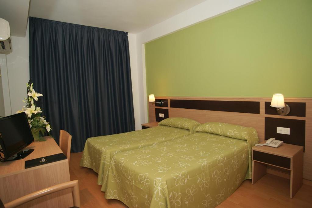 Бенидорм отель 4 звезды лазаревское