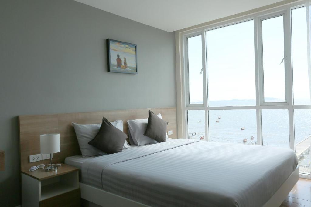 Bbg Seaside Luxurious Service Apartment  U0e1a U0e32 U0e07 U0e41 U0e2a U0e19