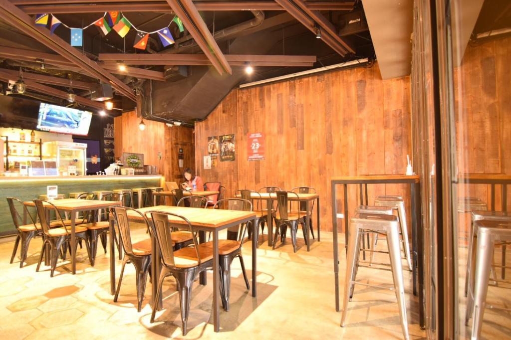 ห้องอาหารหรือที่รับประทานอาหารของ Taipei Oxygen Hostel