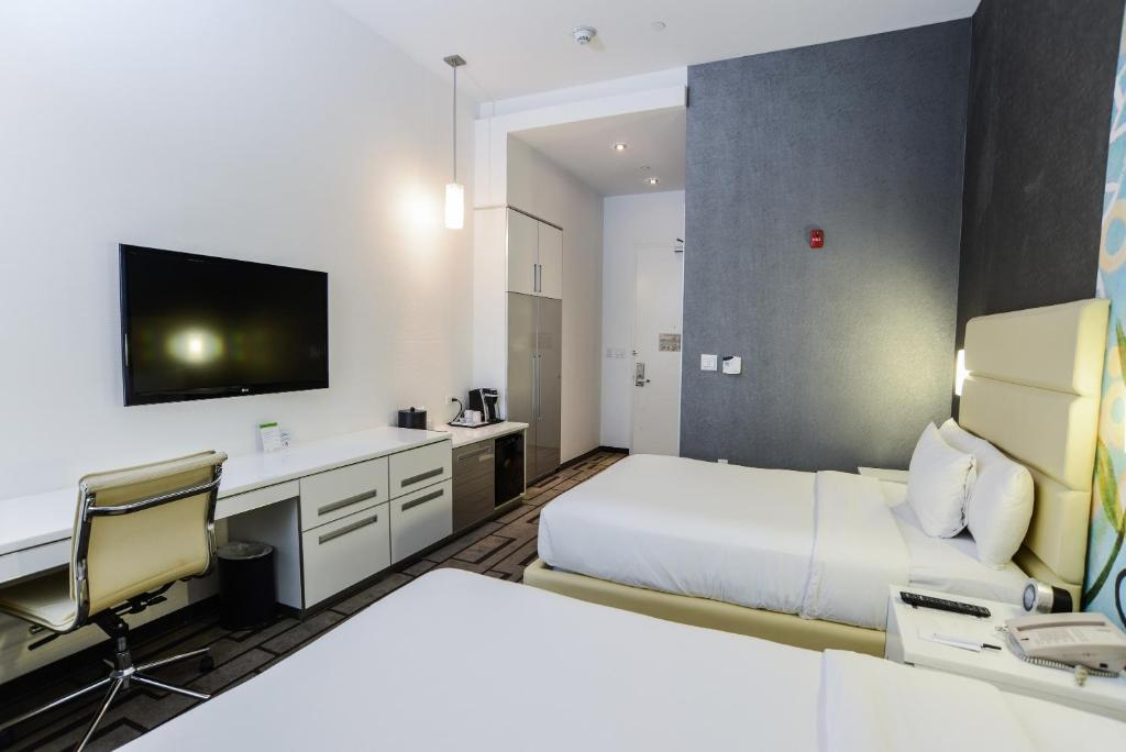 A room at Hotel de Point.