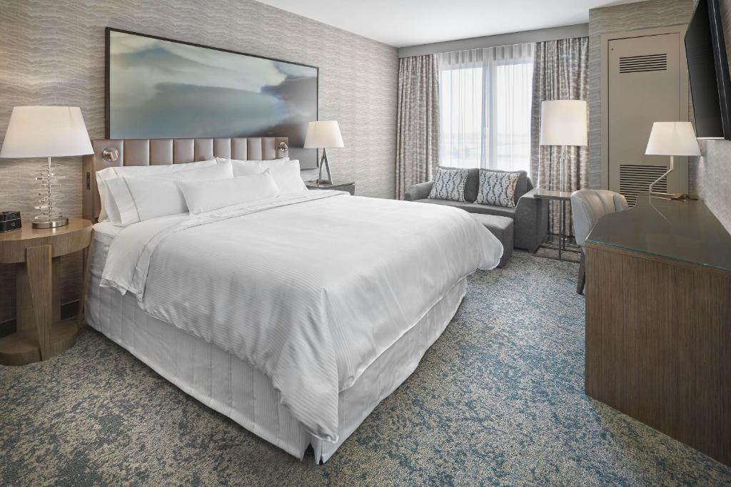 A room at The Westin Calgary Airport.