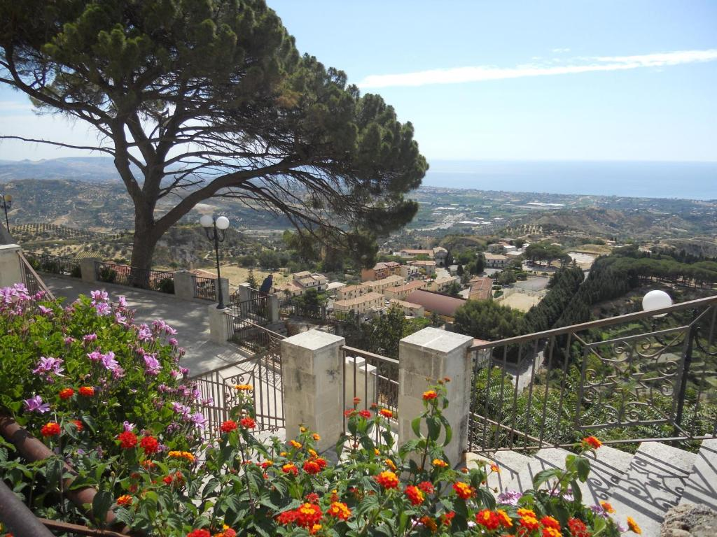 Hotels Gerace 1 star