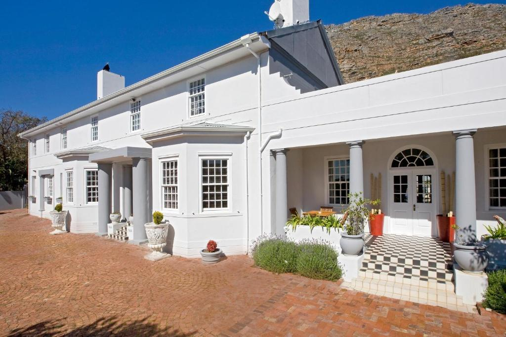 Capeblue Manor House