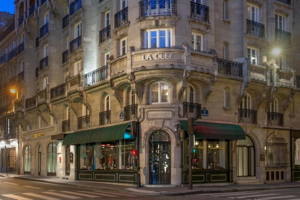 Парижа