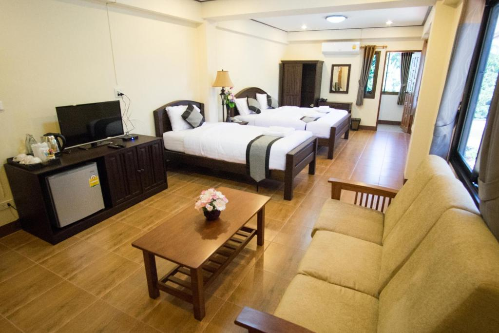 nan baan khun hotel