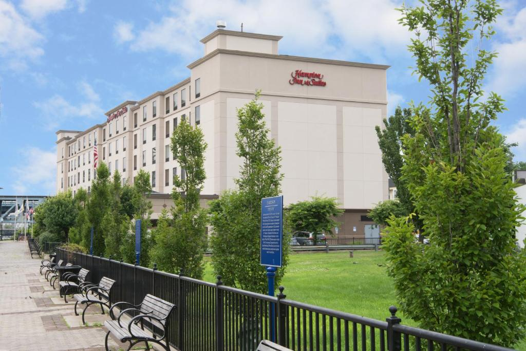 Hampton Inn & Suites Newark - Harrison - Riverwalk.