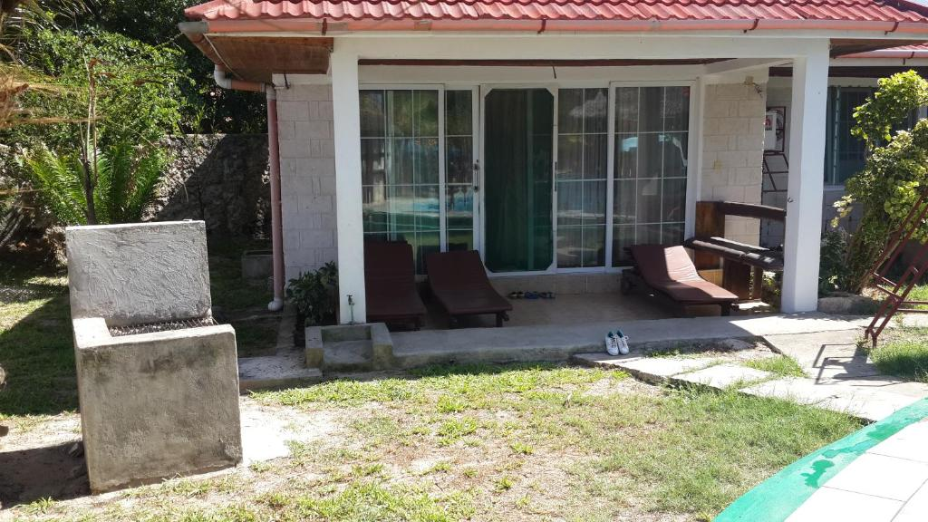 Xanadu Beach Villa