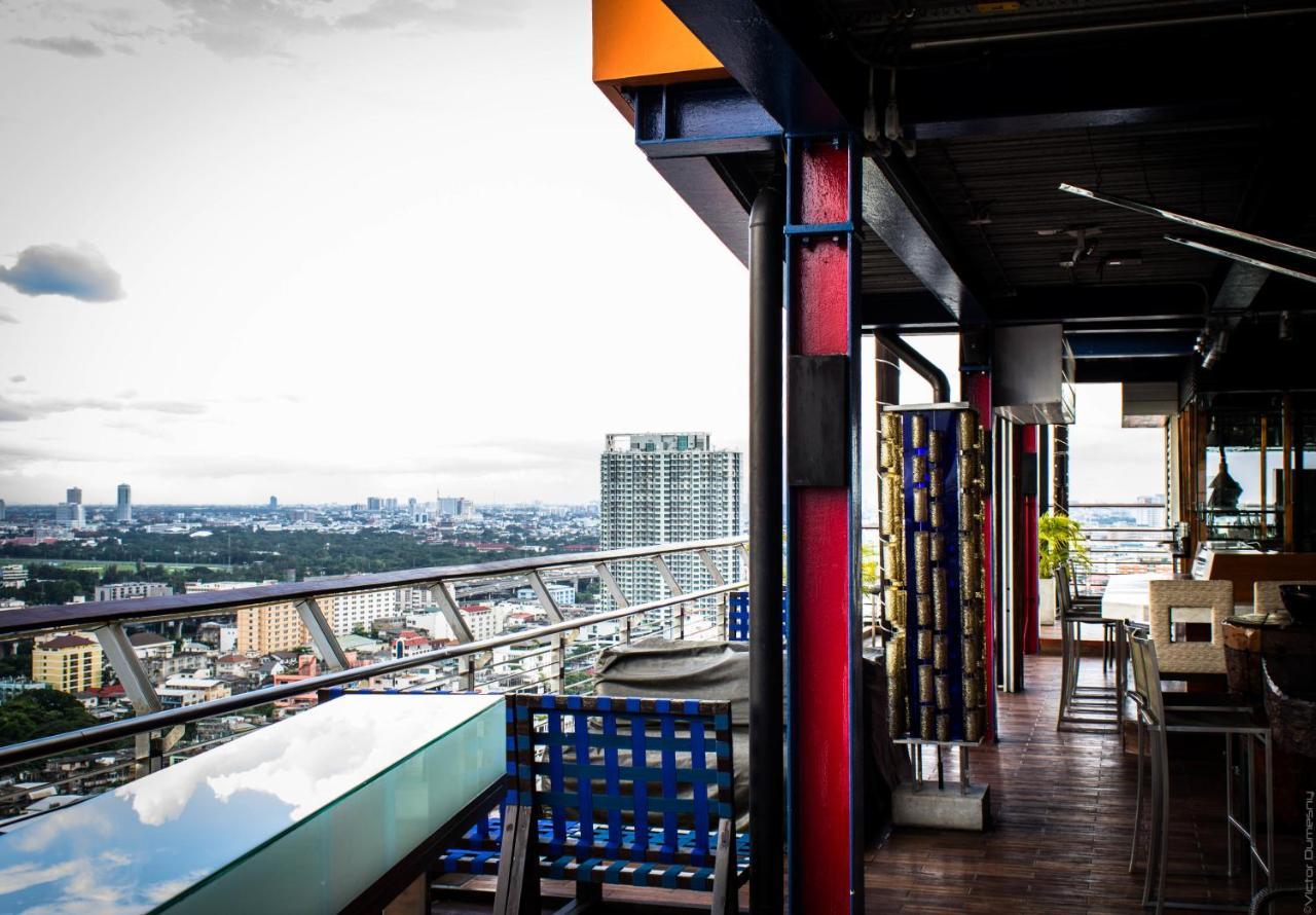 Ресторан и Бар The Roof в Siam@Siam Hotel