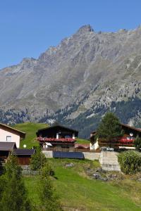 วิวภูเขาทั่วไปหรือวิวภูเขาที่เห็นจากอพาร์ตเมนต์