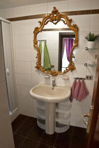 ห้องน้ำของ YHR Flat 63