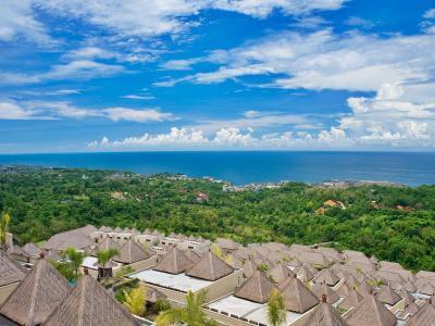 城堡巴厘岛豪华别墅和温泉