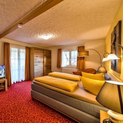 Hotel Sonneneck Titisee (提提湖索南奈克酒店)