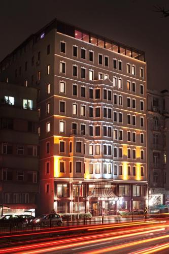 هتل گرند هالیک