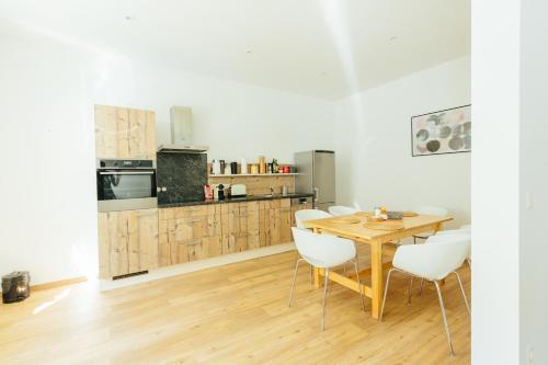 ครัวหรือมุมครัวของ The newPAST Apartments
