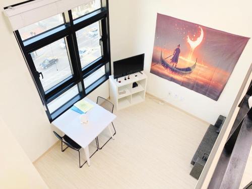 โทรทัศน์และ/หรือระบบความบันเทิงของ Hongdae JD house