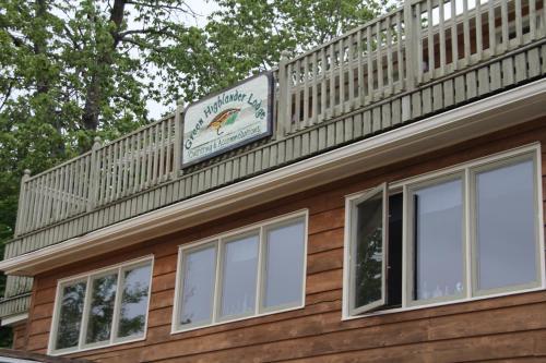 Green Highlander Lodge