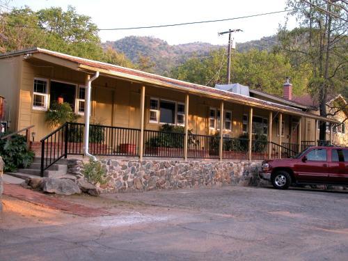 Sequoia Motel