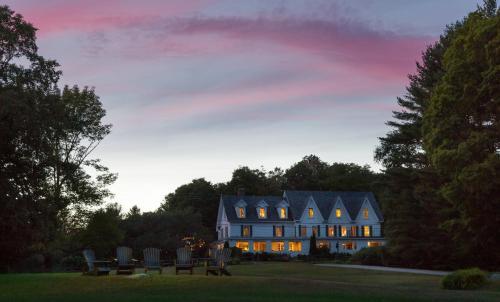 Inn at Pleasant Lake