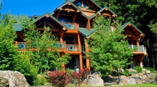 Cayuga Lodge South