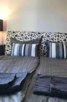 Central, stylish 1 bedroom for up to 4 people