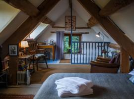 Quirky attic studio near Hay-on-Wye, Clifford