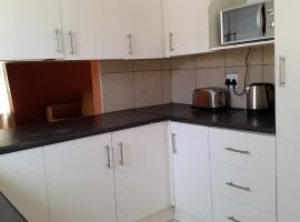 Self catering 3 bedroom house N1 City