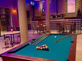 You Empire Hostel & Bar
