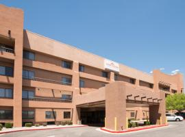 Hawthorn Suites by Wyndham Albuquerque, อัลบูเคอร์คี