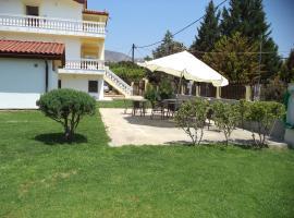 Villa Chryssoula Apartments, Eretria