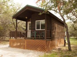 San Benito Camping Resort Studio Cabin 1, Paicines