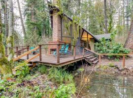 McKenzie River Cabin, Vida