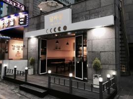Hotel M story
