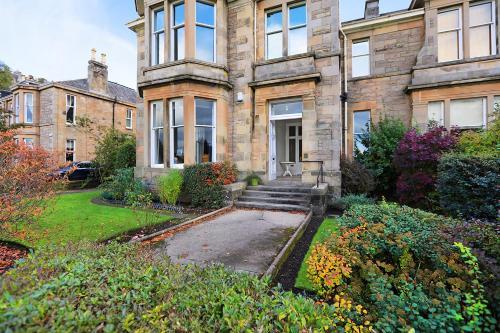 Royal Gardens Apartments